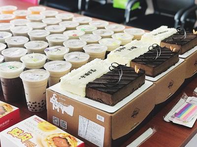 蟹状元9月生日会 | 吃最甜的蛋糕,过最开心的生日!