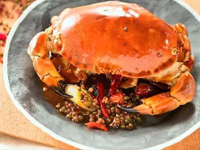 比脸还大的面包蟹:膏黄肉厚,一只炒一盘~