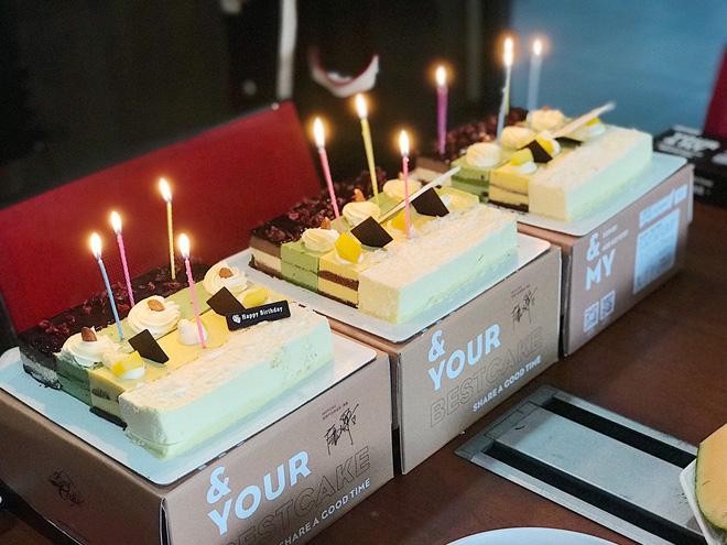摇曳的烛光,以及美味的蛋糕